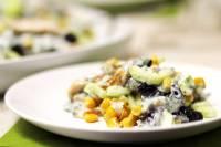 Салат из курицы со свежим огурцом и кукурузой